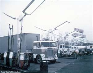 Russ MacNeil Vintage Truck Pictures