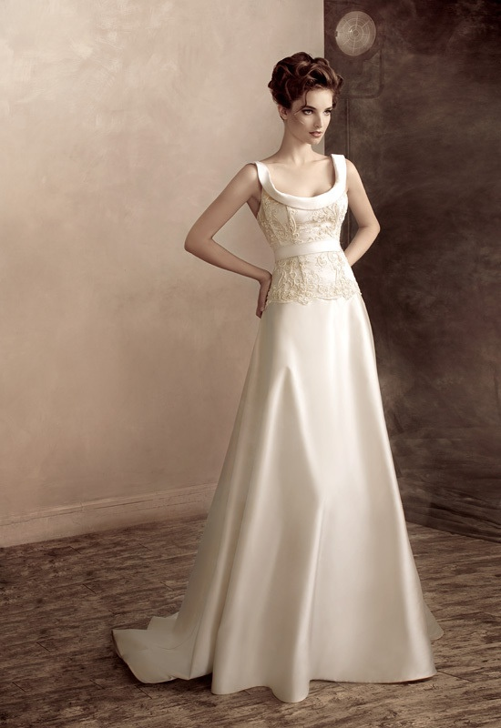 Simple classic wedding dresses for Shop simple wedding dresses