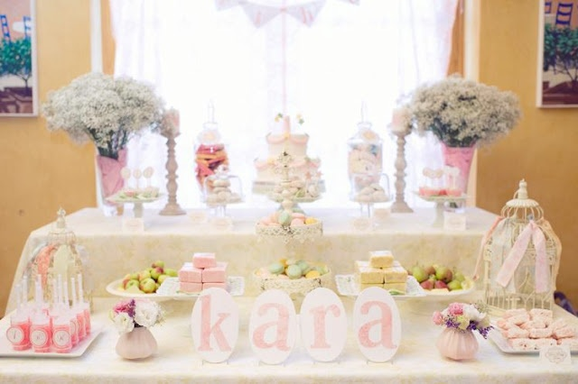 Girly flower birthday table