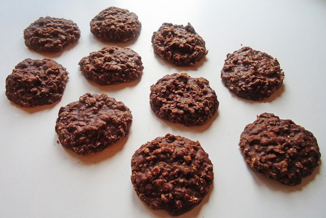 no bake nutella cookies- wonder if i could somehow make a paleo ...
