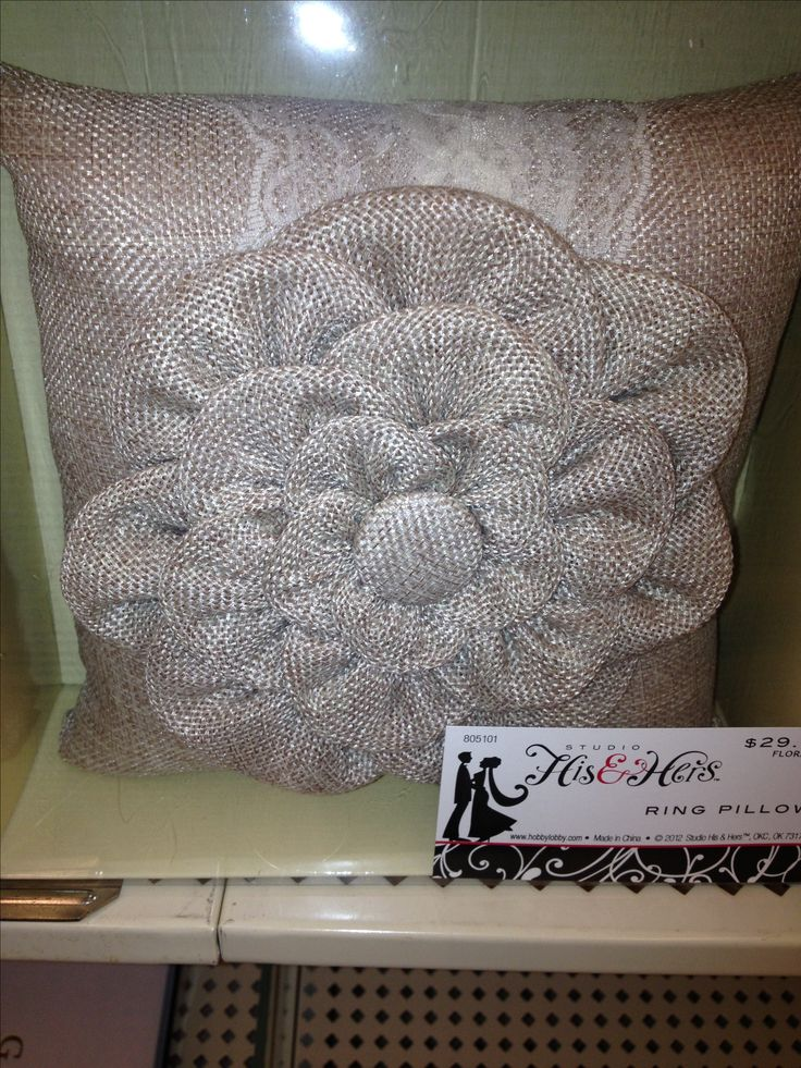 Burlap craft ideas pinterest for Crafts to make with burlap