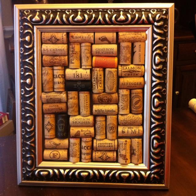 My wine cork frame  DIM*Do It Myself!  Pinterest