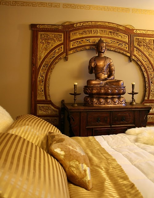 Asian style gold bedroom buddha asian decor designs for Asian wall decoration