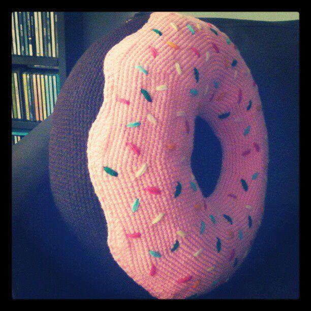 Crochet Donut Pillow : ... donut cushion! :D Almohadon donut gigante! :D #amigurumi #crochet