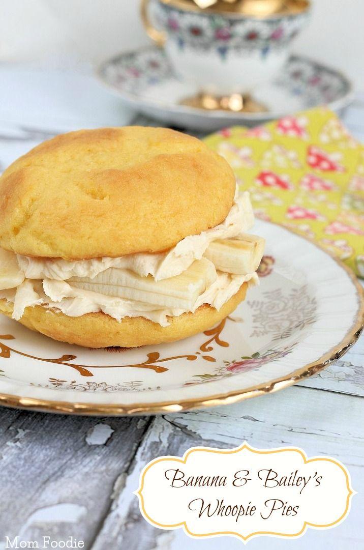 Golden Irish Cream & Banana Whoopie Pies | Recipe