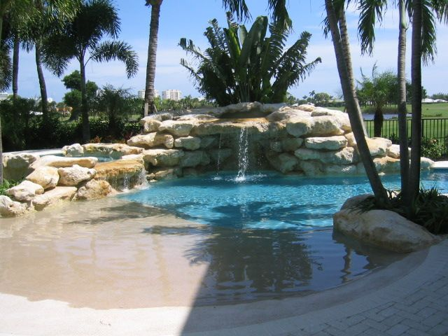 Pool made to look like sand beach yep you 39 ll be in my for Pool design with beach entry