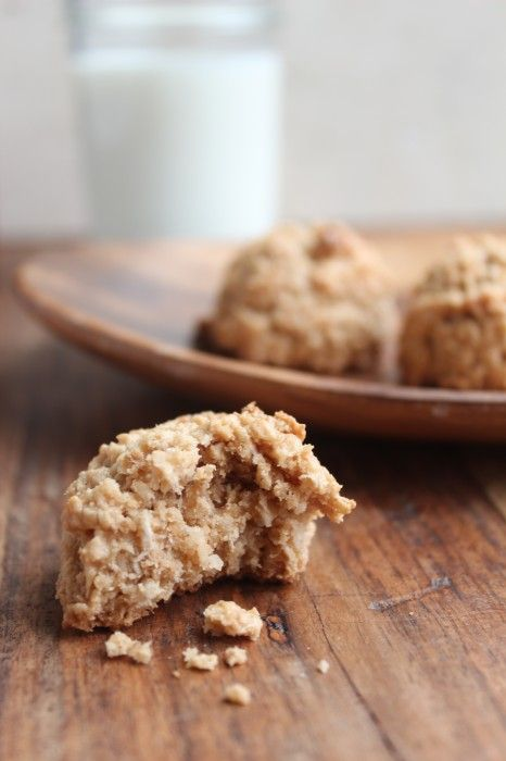 Peanut butter coconut oat macaroons | I