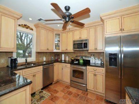 Pin by michele iorio on split level house ideas pinterest for Split level kitchen ideas