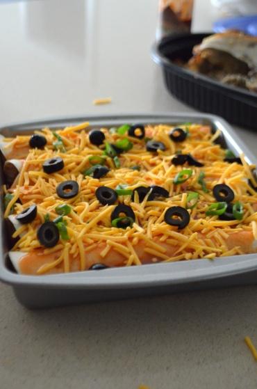 Easy Chicken Enchiladas - rotisserie chicken, corn, black beans, salsa ...
