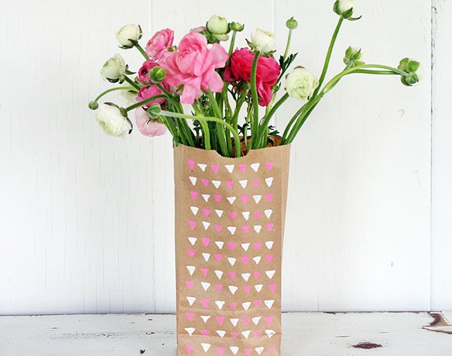 17 DIY Vases  - Vase making day for the flat?
