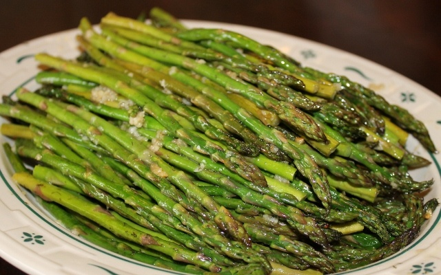 Roasted Asparagus with Dijon Dressing #recipe from @aleasleftovers