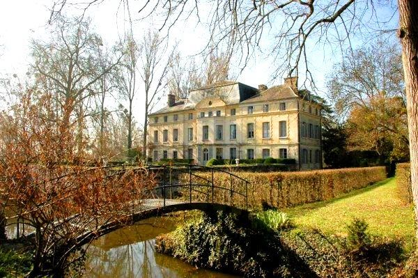 For sale catherine deneuve 39 s chateau de primard in for French country houses for sale
