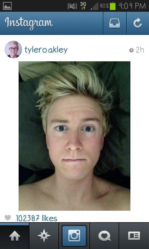 Aww Tyler w/o his glasses Tyler Oakley Pinterest