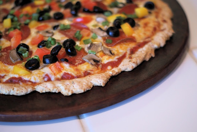 gluten free pizza crust | GF pizza dishes (or easily converted) | Pin ...