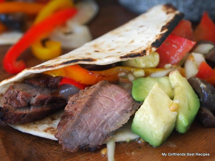 Steak and Portabella Fajitas with Avocado Salsa SO.DANG. GOOD.