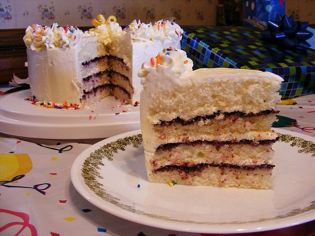 Dorie's Perfect Party Cake by howtoeatacupcake.net, via Flickr