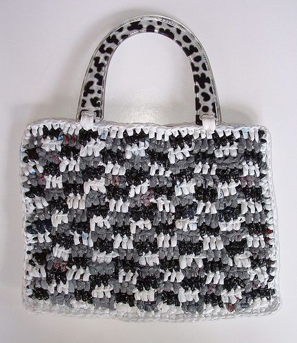 plarn (plastic bag yarn) gingham purse Reusing, Recycling and Recra ...