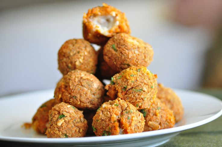 Quinoa Pizza Balls - What a great alternative to those tempting Fried ...