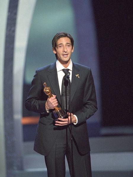 Adrien Brody for 'The Pianist' in 2003. | Oscar, Oscar | Pinterest Adrien Brody