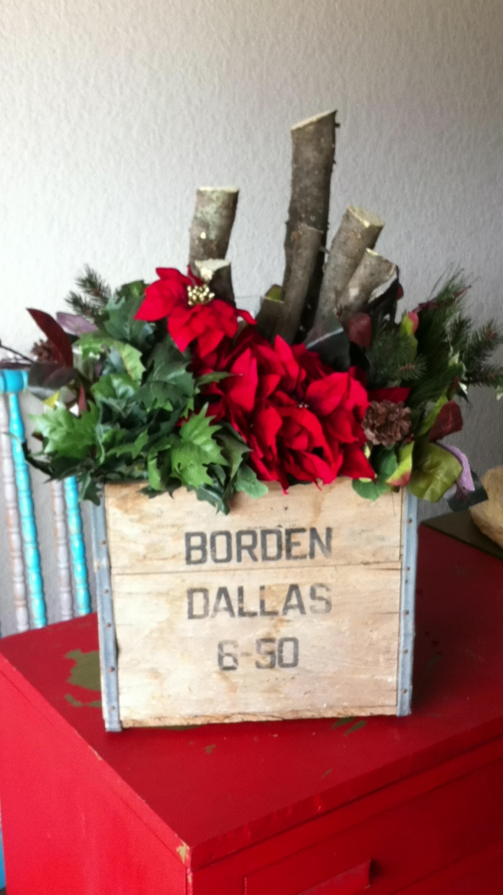 Old Borden Crate Christmas Decoration | DIY Decorations