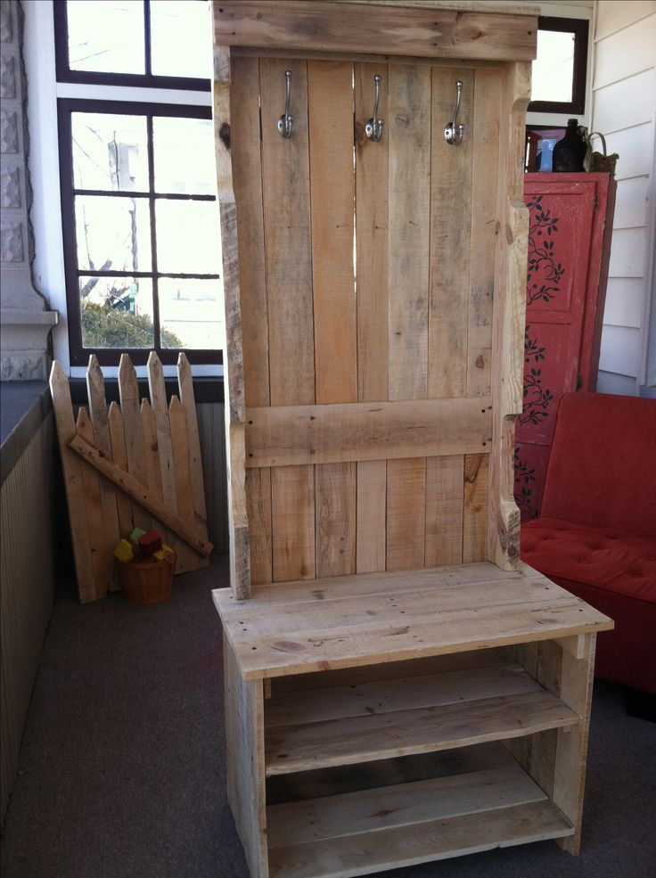 Coat Rack Bench Pallets Yep We Did This Out Of Pallets Pinte