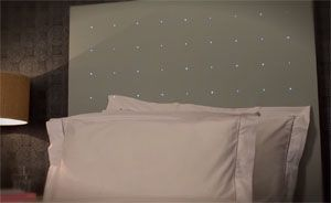 fairy light headboard....just seen this on tv and i am in love with this :D !!!