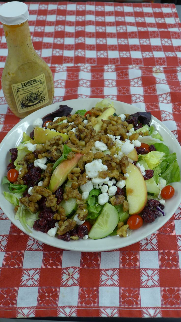 Heart Healthy Salad: Bed of field greens with grape tomatoes, sliced ...