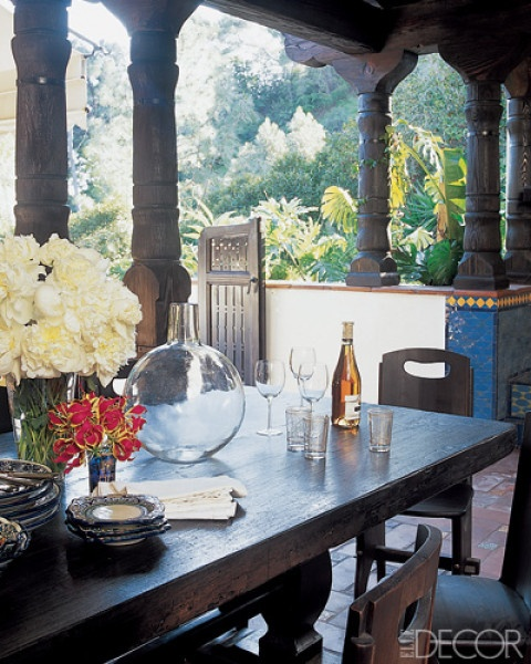 columns, table  outdoor room -