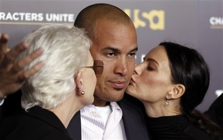 Coby Bell can't handle the love