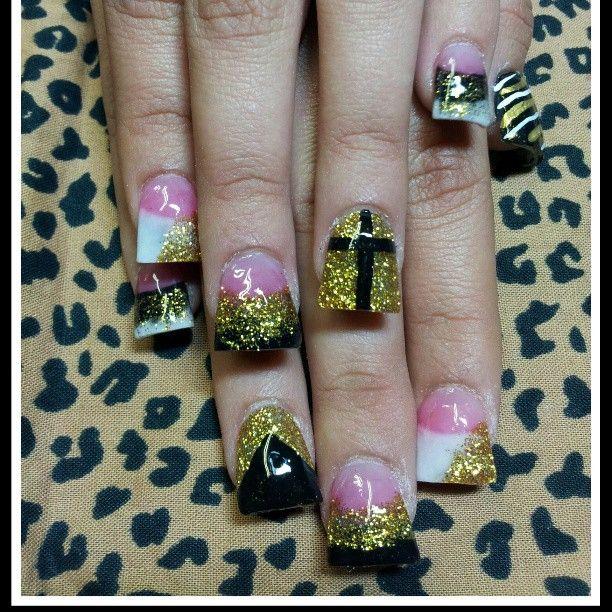 nailsby_cosmomari | #nailsbyMari #Marisnails #cosmomari #black #gold