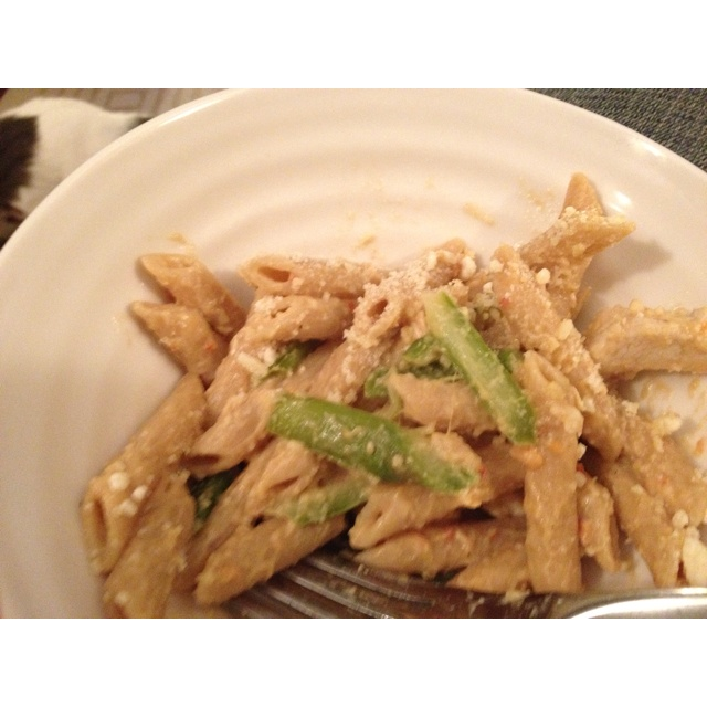 Chicken, asparagus, whole wheat penne pasta. With some tomato alfredo ...