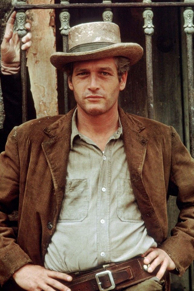 Paul Newman makes one FINE looking cowboy!