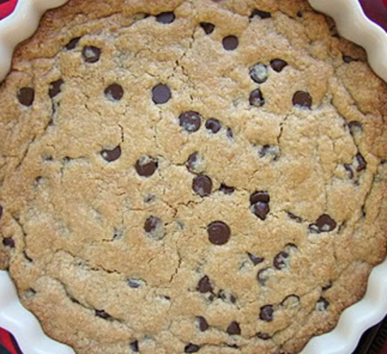 Giant Chocolate Chip Cookie Pie | ~love~ | Pinterest