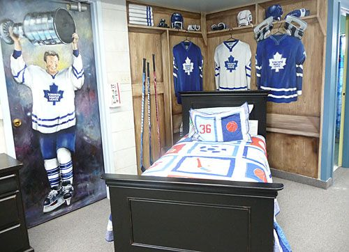 hockey locker room bedroom theme home ice pinterest