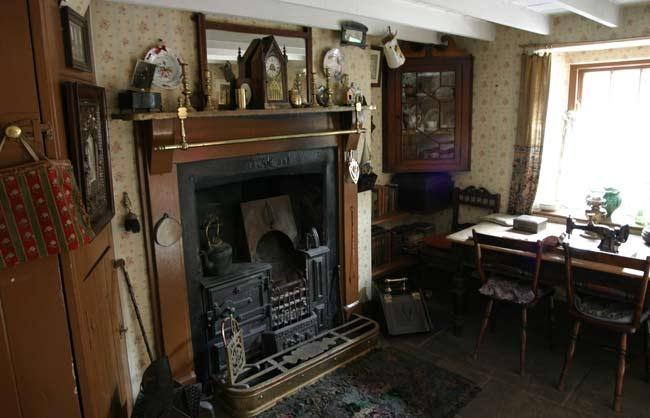 Lovely room 1920s living room pinterest for Living room 1920 s