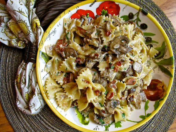 Chicken Farfalle With Mushrooms & Chives Recipe — Dishmaps