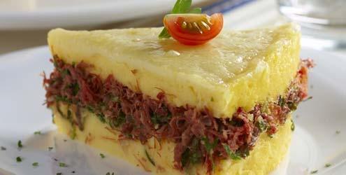 Torta de polenta com carne seca e couve!!