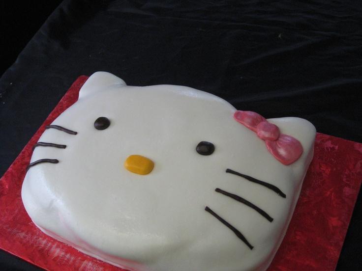 hello kitty face cakes