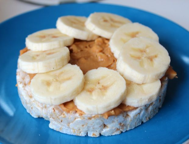 Almond Butter Rice Cakes ~ a healthy snack from the chic brûlée ...