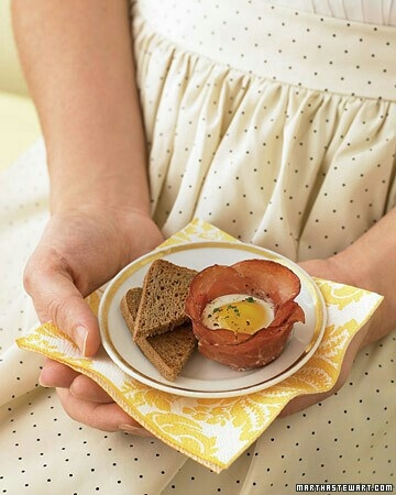 Ham and egg hors d'oeuvres: crispy prosciutto cups filled with baked ...