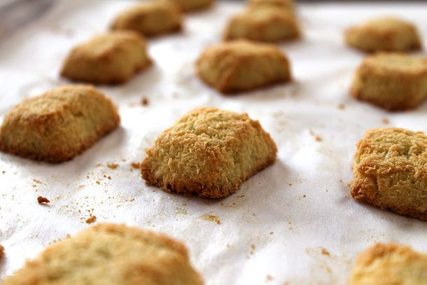 Coconut Lime Macaroons - Paleo and GF | Healthier Living | Pinterest
