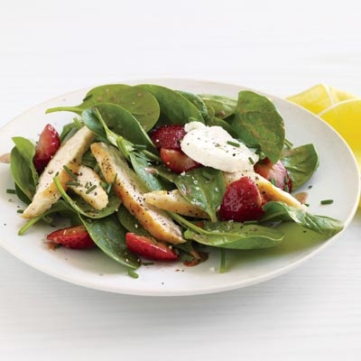 Strawberry-Topped Chicken and Baby Spinach Salad | Recipe