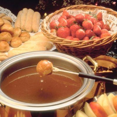 Caramel Fondue Recipe | Fondue Sweet & Savory | Pinterest