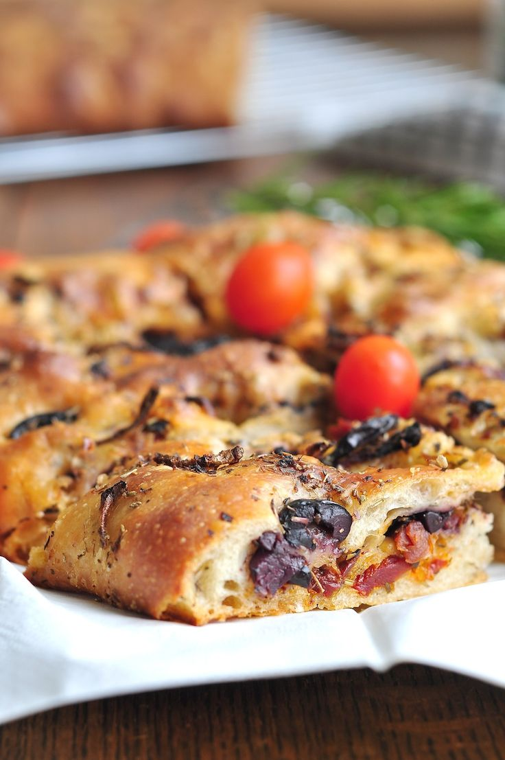 Focaccia with red onion, sundried tomatoes, kalamata olives and ...