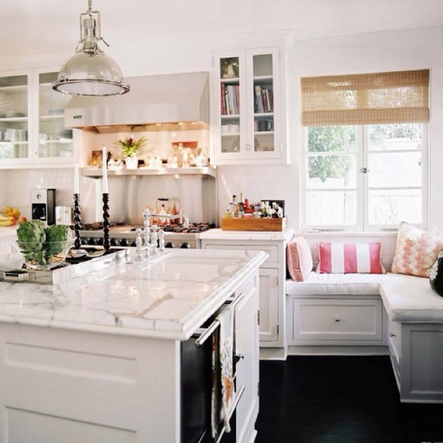 Beautiful sitting area in kitchen the dream home pinterest for Kitchen sitting area