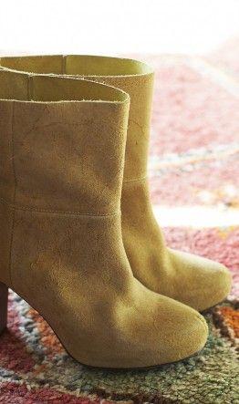 vance boots via plumo