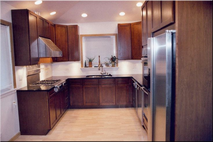 Light Kitchen Cabinets With Dark Countertops Kitchen With Dark Cabinets