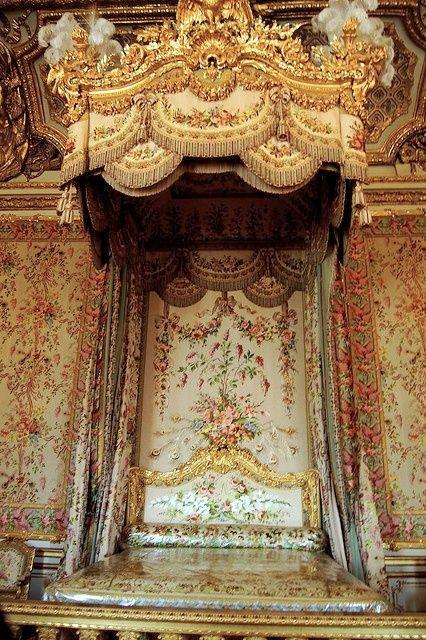 versailles marie antoinette s bedroom versailles