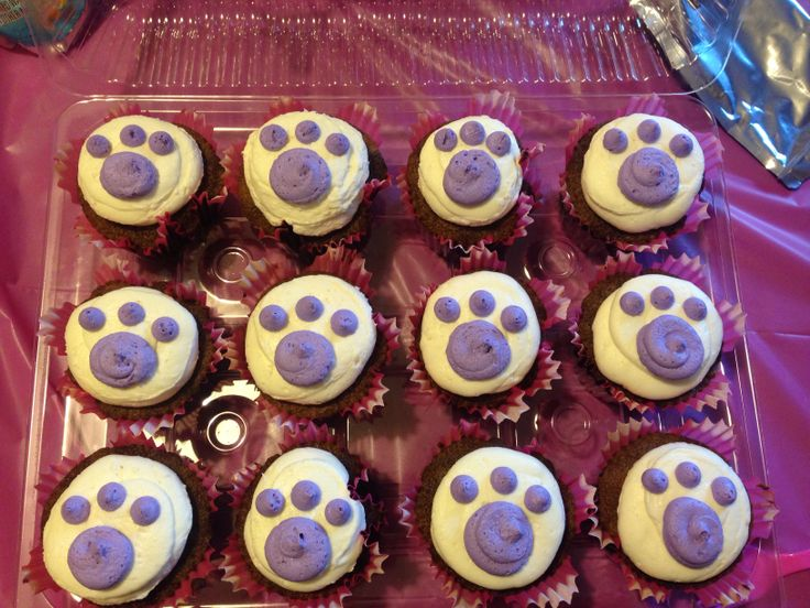 Paw Print Cupcakes!! | My Creations =) | Pinterest