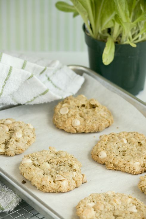 White Chocolate Oatmeal Cookies | Cookies Biscotti Biscuits | Pintere ...